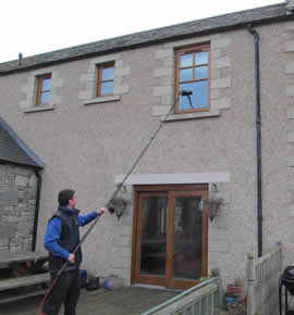 Ladderless cleaning